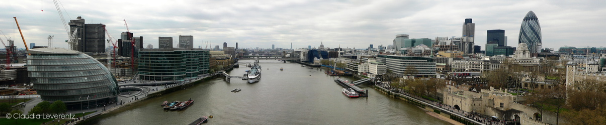 Panoramablick von der Tower Bridge